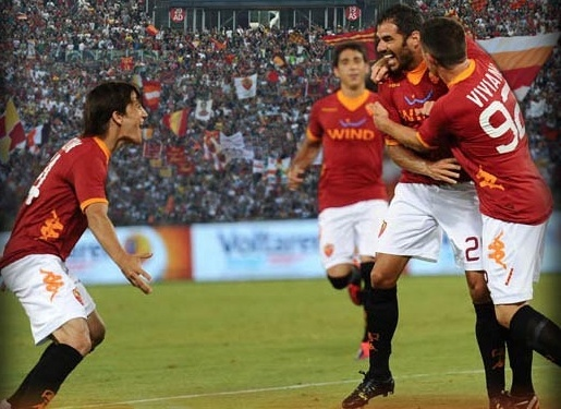 roma top bulge european soccer league 2014 images