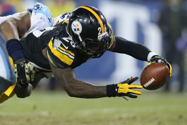 leveon bell pittsburgh steelers beats titans nfl images 2014