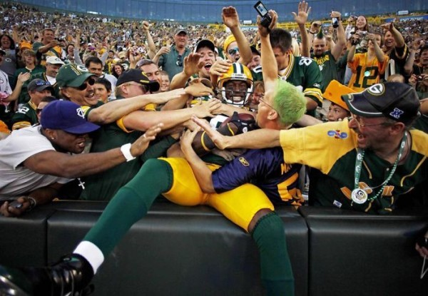 top 10 worst behaved fans in nfl