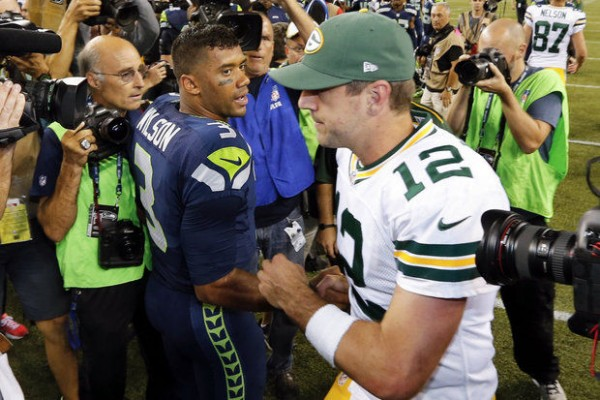aaron rodgers feels russell wilson for win against packers 2015