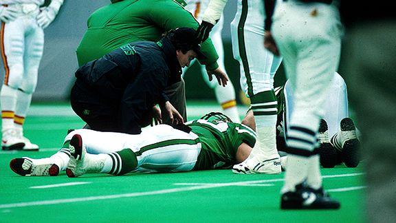 dennis byrd paralyzed worst football injury ever 2015