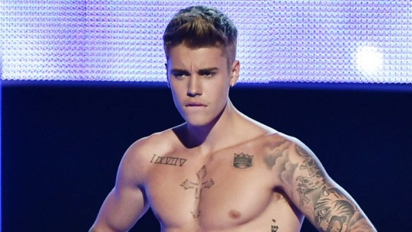 justin bieber bulge ready for comedy central roasting 2015 images