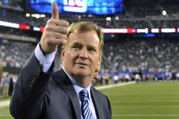 roger goodell happy with nfl controversy 2015 images