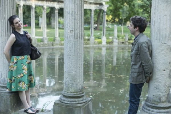 simon helberg with melanie lynsky in well never have paris movie 2015