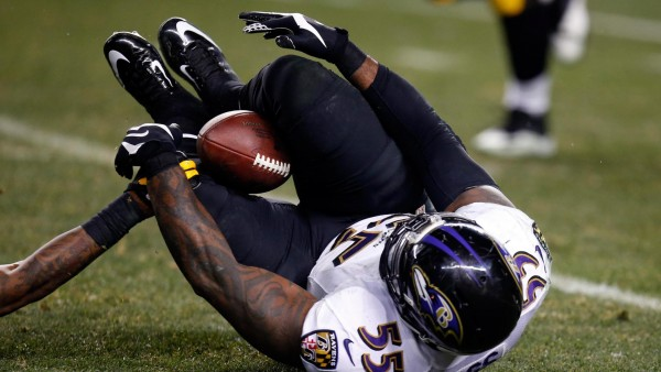 terrell suggs bulge falling ravens nfl vs pittsburgh steelers 2015 images