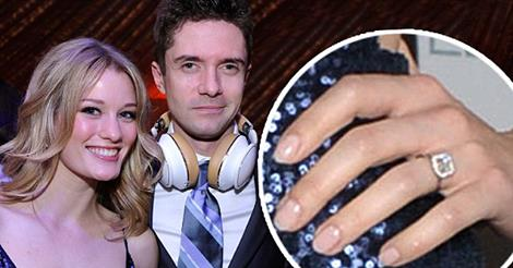 topher grace engaged to ashley hinshaw 2015