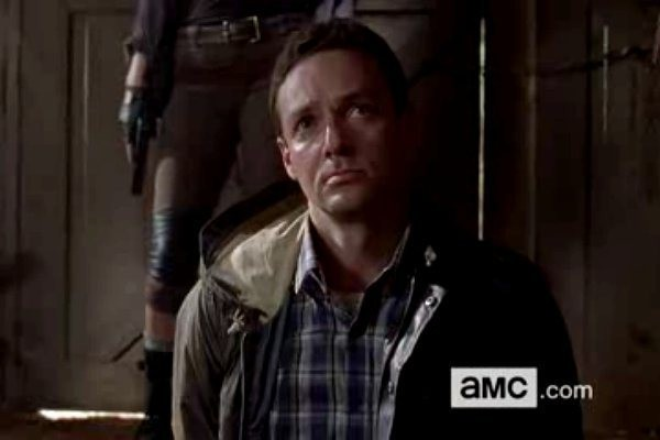 aaron arrives pretty on the walking dead season 5 2015