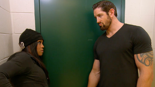 alicia talks to sexy wwe star brad for total divas 2015 iamges