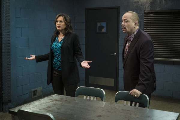 benson finn in interrogation for mothers milk law order svu 2015