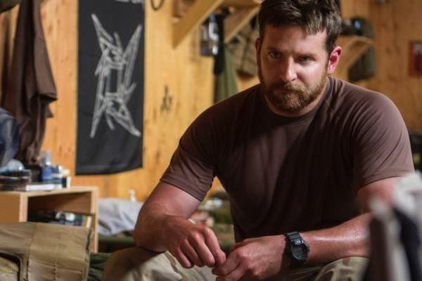 bradley cooper as chris kyle fraud in american sniper movie 2015