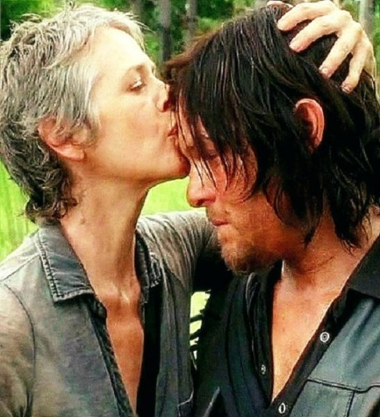 carol kissing darryls forehead walking dead ep 10 them