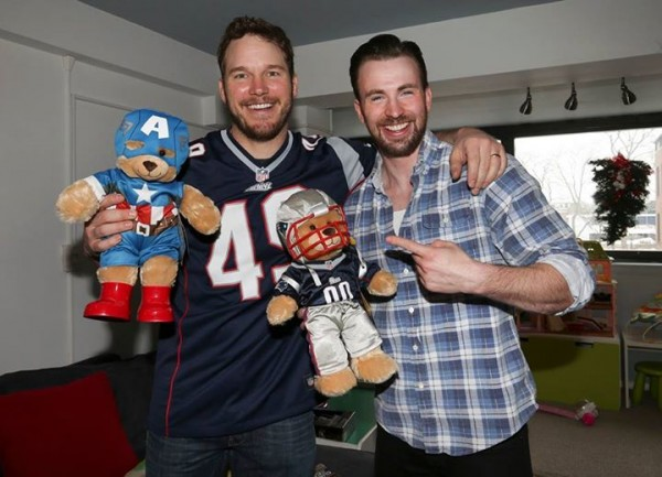 chris pratt gives chris evans some super bowl bear love 2015