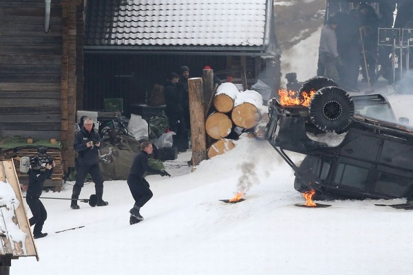 daniel craig car on fire for spectre 2015