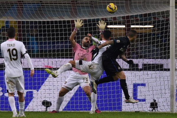 icardi scores against palermo serie a soccer 2015 images