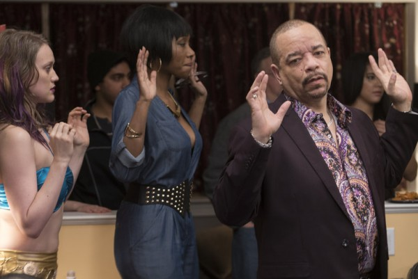 ice t finn hands up mothers party law order svu 2015 images