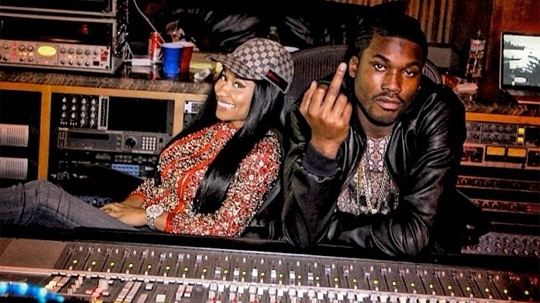 meek mill with nicki minaj heating up romance 2015 images