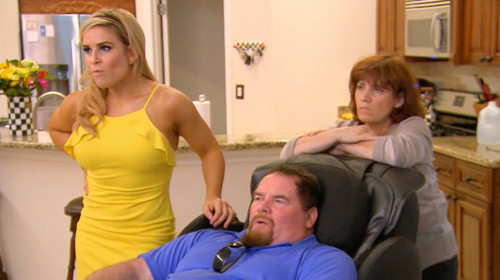natalya nattie watching match with out of it addict dad total divas 2015