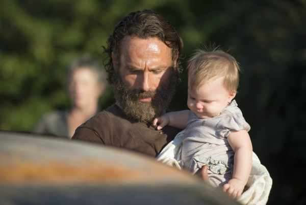 rick with baby walking dead recap 2015