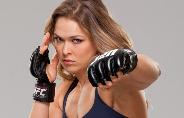 ronda rousey fighting punch for cat zingano 2015 iamges
