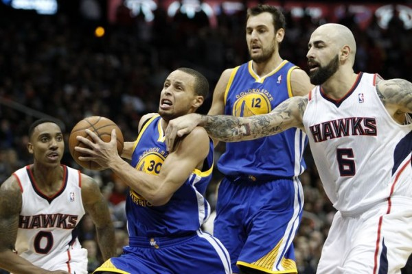 steph curry pushed down warrior style by atlanta hawks 2015