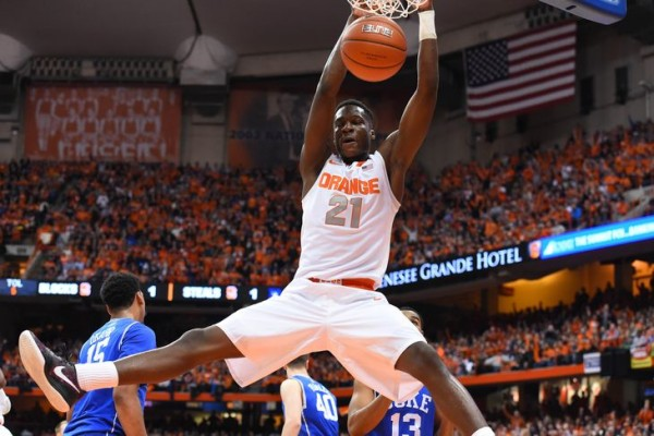 syracuse orange beats lousville cardinals basketball 2015 images