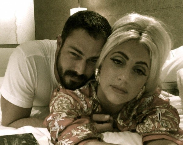 taylor kinney engaged to lady gaga 2015 images