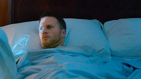 tom brady wakes up with mark wahlberg and ted 2 staring at his junk 2015