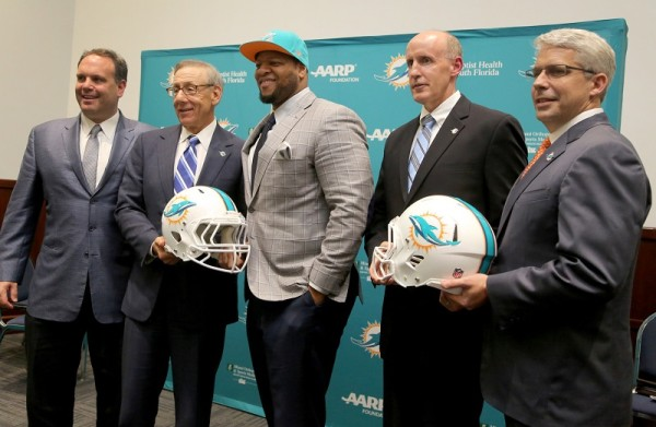 Ndamukong Suh joins miami dolphins nfl 2015