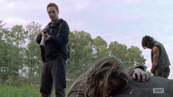 aaron shoots horse for daryl in the walking dead 2015