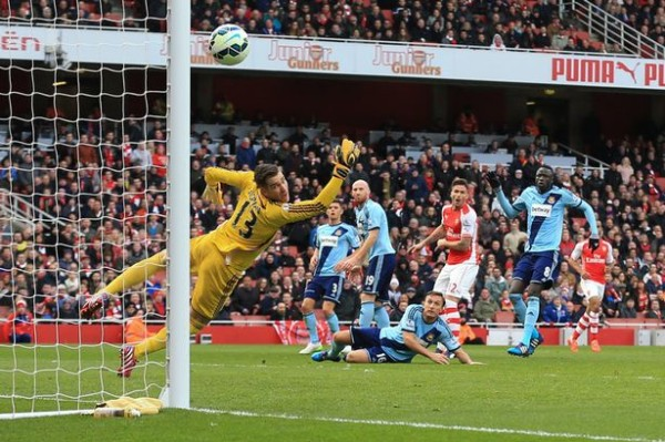 arsenal beat west ham soccer premier league 2015