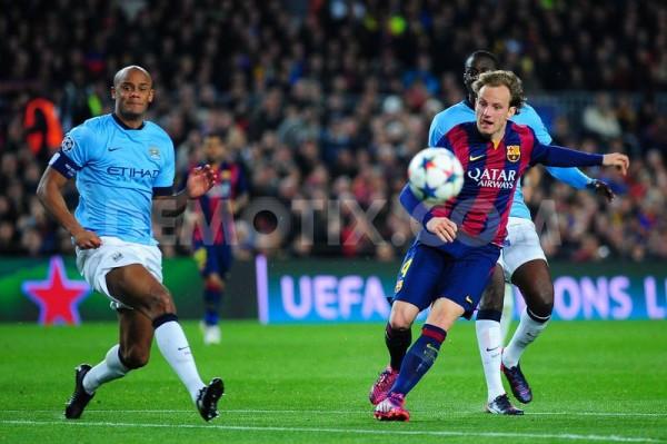 barcelona beats manchester la liga soccer 2015