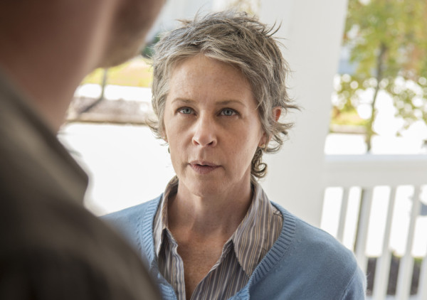 carol working alexandria look for the walking dead 2015