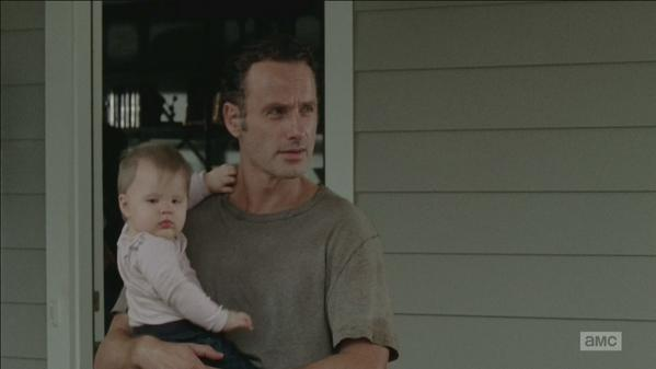 clean shaven rick with baby walking dead 2015