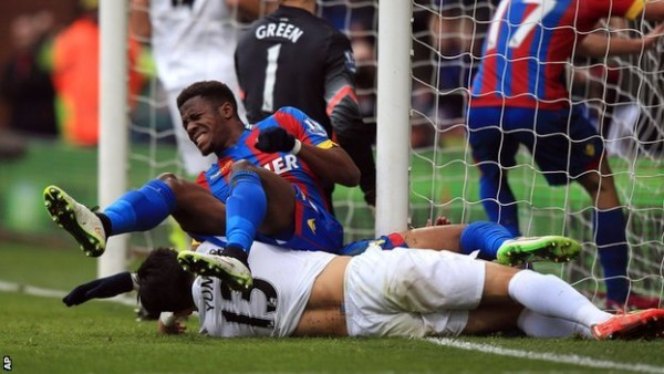 crystal palace beats down queens park rangers premier league 2015