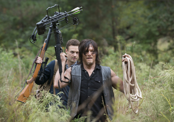 daryl aaron love hunting horse walking dead forget 2015