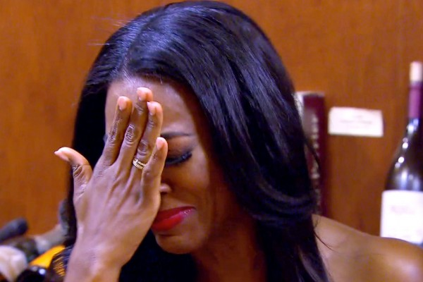 kenya moore cries over whoreocracy