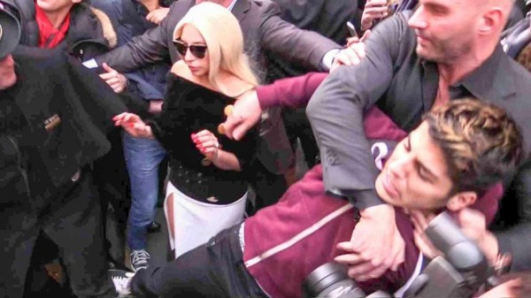 lady gaga bodyguard chokes fan 2015