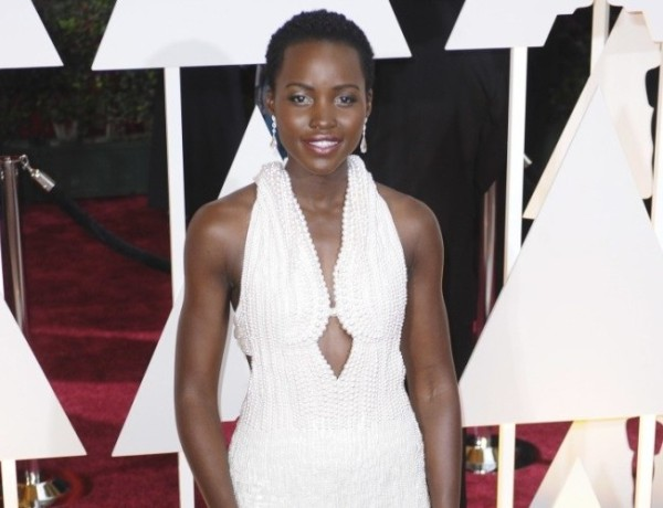 lupita nyongo fake pearl oscar dress returned 2015