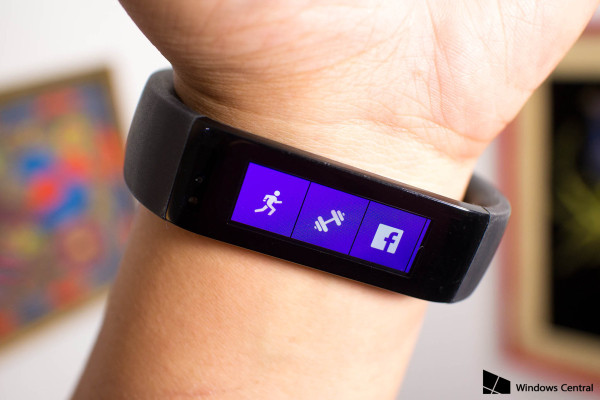microsoft band up close on arm 2015 images