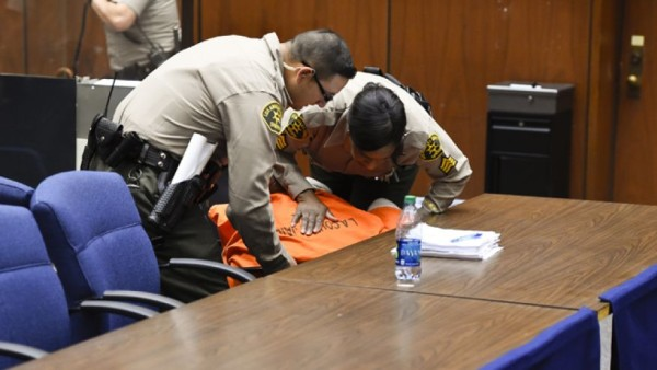 suge knight faints in court again 2015 gossip