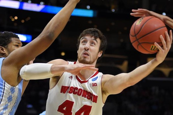 wisconsin badgers beat arizona wildcats march madness 2015