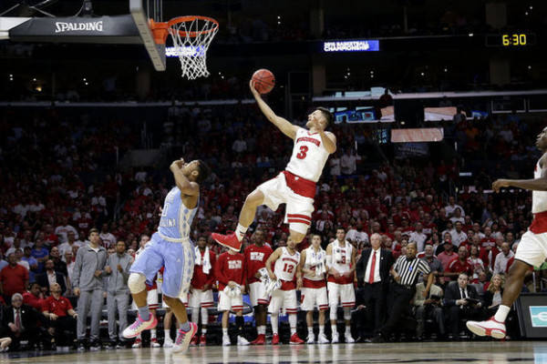 wisconsin beats north carolina march madness 2015