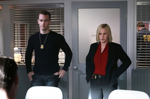 james van der beek sashay hips csi cyber evil twins 2015 images