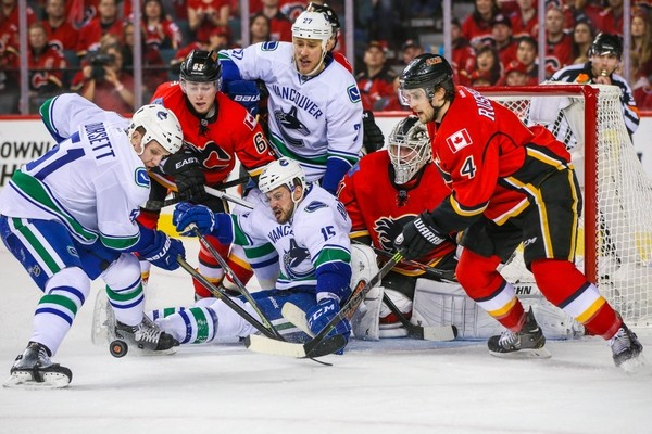 karri ramo holds off canucks for calgary flames win stanley cup playoffs 2015karri ramo holds off canucks for calgary flames win stanley cup playoffs 2015