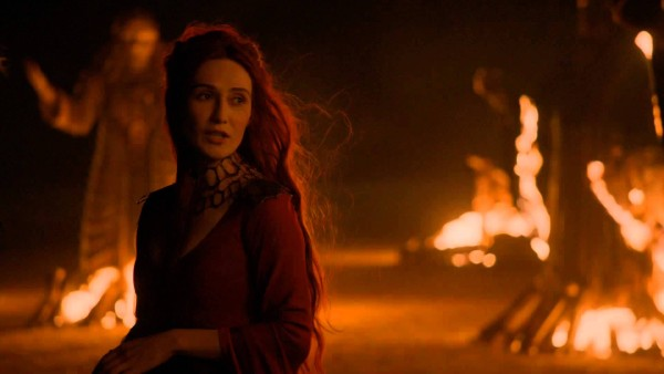 melisandre witch coming into revenge game of thrones 2015