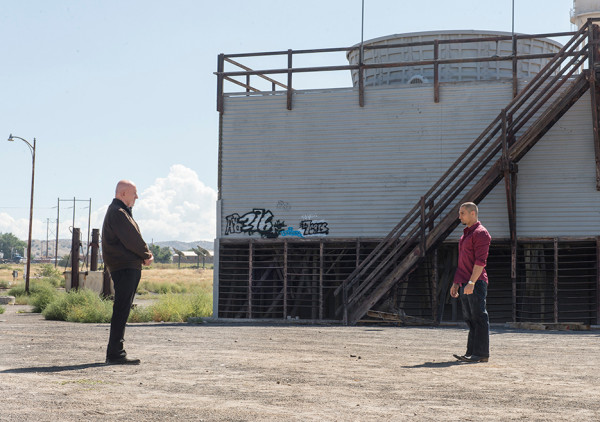 mike banks facing off nacho vargas in better call saul 2015 109