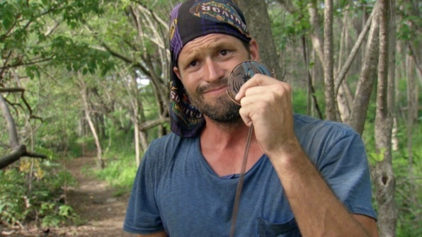 mike holloway finds immunity idol cries on survivor worlds apart ep 8 2015