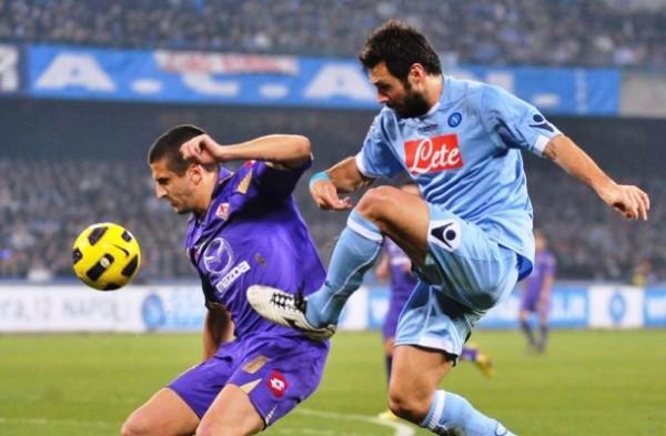 napoli beats fiorentina serie a soccer 2015