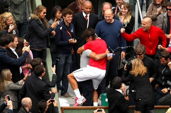 rafael nadal hugging his uncle toni after match 2015