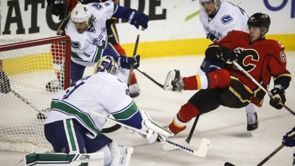 sam bennett pulled down by canucks 2015 stanley cup playoffs nhl